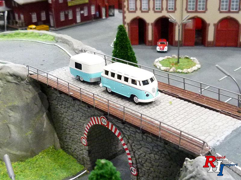 1:87 VW T1 SAMBA BUS M.ANHÄNGER 2.4G RTR