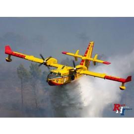 1362 1:72 Canadair CL-415 blusvliegtuig