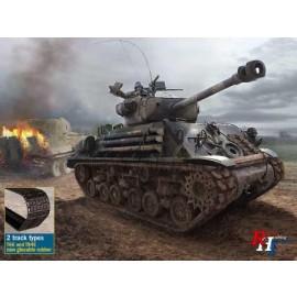 6529 1/35 M4A3E8 Sherman 'Fury'