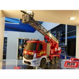 907282, 1:20 Brandweerwagen 2,4GHz 100%