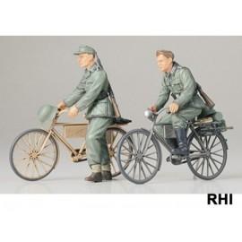 35240, 1/35 2 Duitse soldaten met fiets