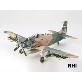 61073, 1/48 WWII Douglas A1J Skyraider