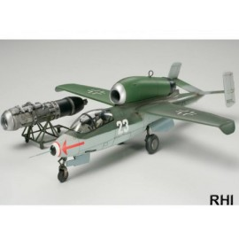 61097, 1/48 Heinkel He162 A-2 Salamander