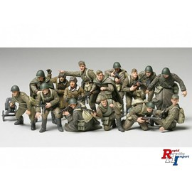 32521 1/48 WWII Russian Infantry &